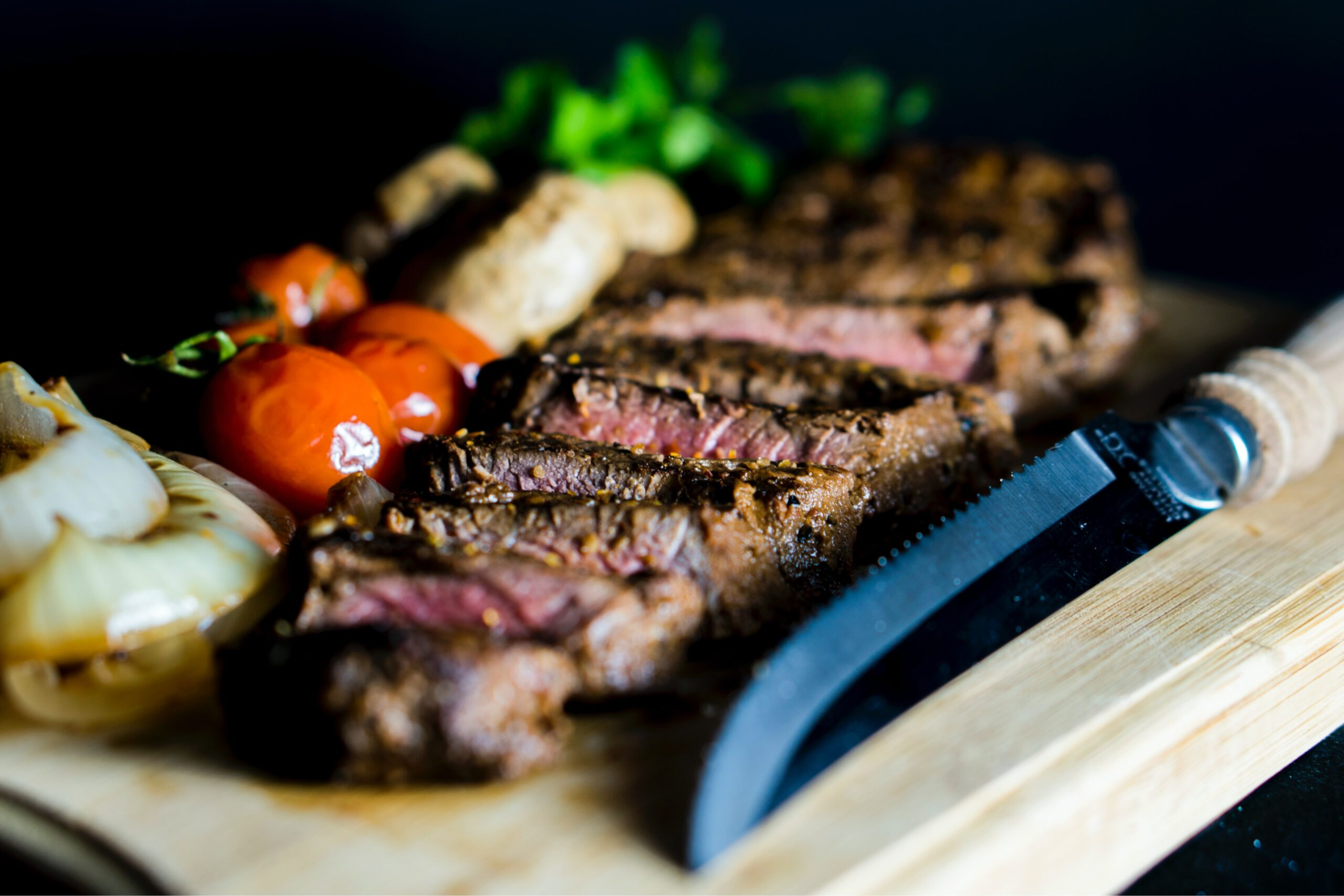 Best Steak Knife Set Under $100